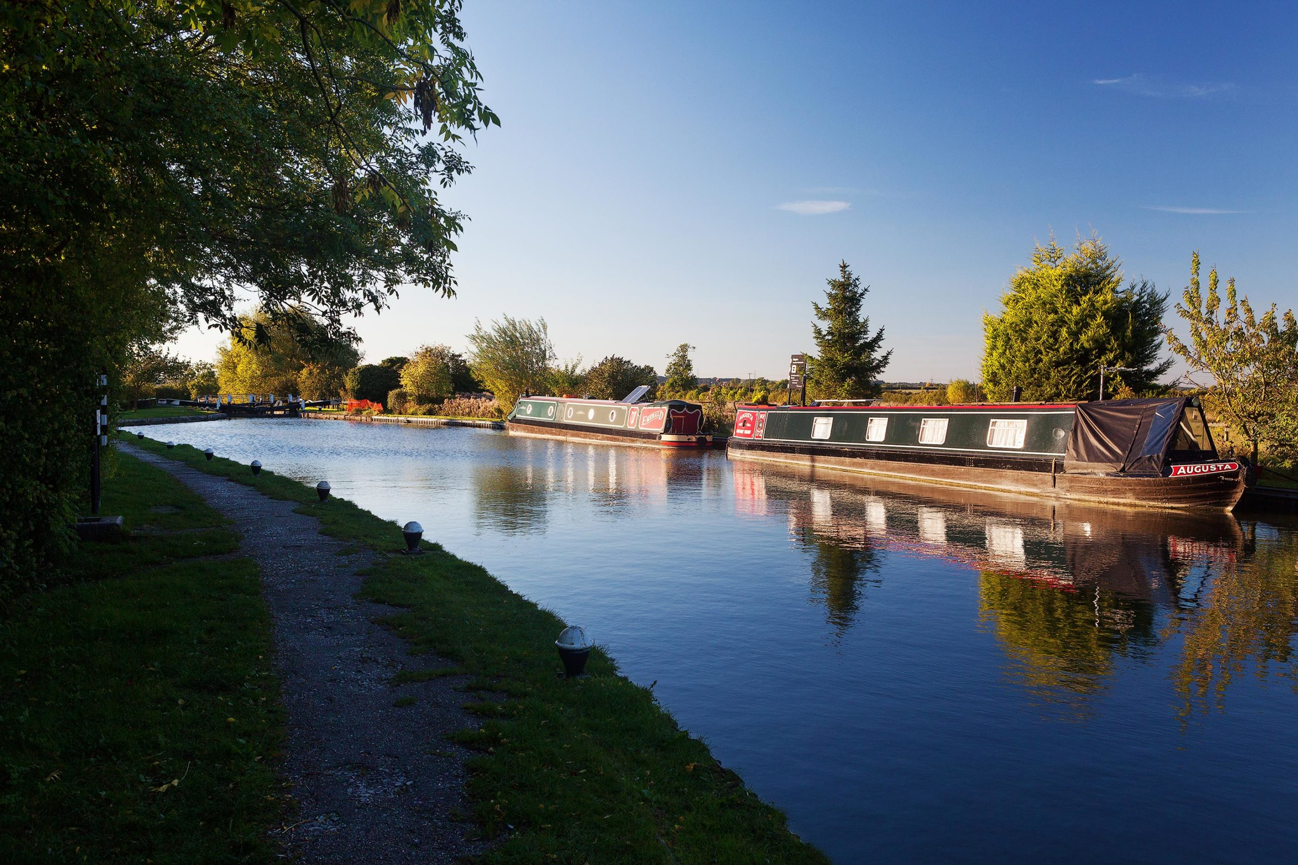 Grand Union Canal at Slapton Lock